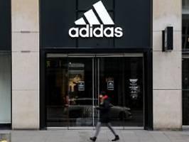 rassismus-debatte bei adidas: personalchefin parkin tritt zurück