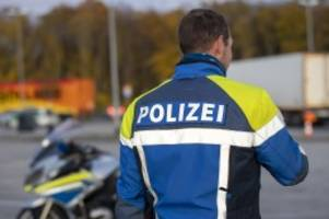 Hamburg: Cabrio-Fahrer rast mit 130 km/h zu schnell auf der A 7
