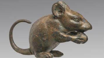 hund,  katze,  maus: ausstellung zeigt tiere in der antike