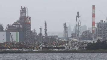 wegen corona-pandemie: stimmung in japans industrie tief im keller