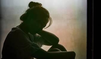 Britische Studie: Einsamkeit im Corona-Lockdown: Jede vierte Person sagt, sie habe keine echten Freunde