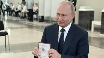 friedliche proteste: russland stimmt über neues grundgesetz ab