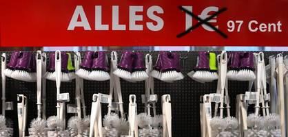 dank mehrwertsteuer - 1-euro-shops senken preise auf 97 cent