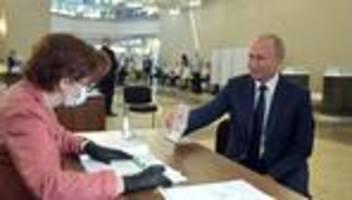 wladimir putin: volksabstimmung sichert putin machterhalt bis 2036
