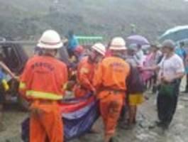 Mehr als hundert Tote nach Erdrutsch