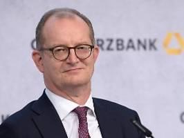 Druck nach Kritik vom Investor: Commerzbank-Chef Zielke bietet Rücktritt an