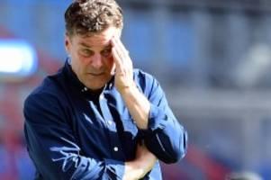 Trainer: Kehrtwende: Steht Dieter Hecking vor dem Aus beim HSV?