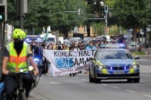 fridays for future: klimaschützer melden sich mit protesten zurück