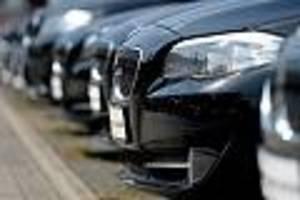Branche bleibt unter Druck - Autoindustrie ächzt noch unter der Krise: Absatz im Juni bricht um ein Drittel ein