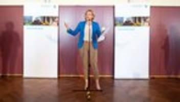 Julia Klöckner: Ministerin lässt Lockangebote für Fleisch prüfen