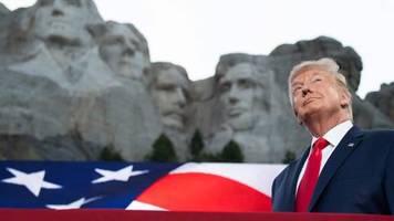 Unabhängigkeitstag in den USA: Die Krise bestimme ich: Das steckt hinter Trumps patriotischem Protztum
