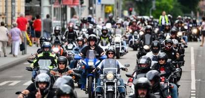 Motorräder: Andreas Scheuer unterstützt Proteste gegen Motorrad-Fahrverbote