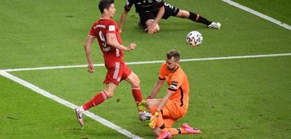 Bayern ist Pokalsieger! Neuer legt auf - und Hradecky patzt dramatisch