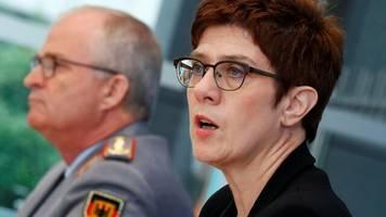 Militär: Kramp-Karrenbauer kündigt neuen Freiwilligendienst in Bundeswehr an