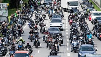 München: Tausende Motorradfahrer demonstrieren – und sorgen für Mega-Stau