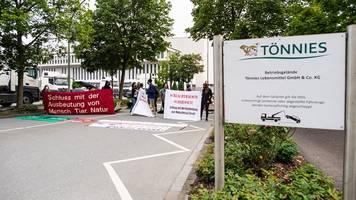 Nach Corona-Ausbruch: Proteste gegen Massentierhaltung bei Tönnies