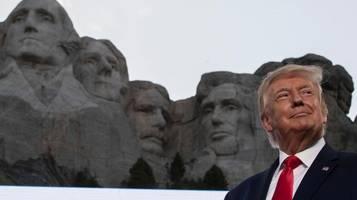 Unabhängigkeitstag – Donald Trump: Kampagne zur Auslöschung unserer Geschichte
