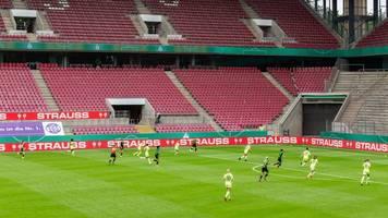 Frauen-Pokal-Finale - Sieg im Elfmeterschießen: Wolfsburg wieder Doublesieger