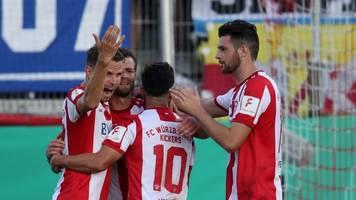 3. Fußball-Liga: Würzburg kehrt in 2. Liga zurück - Ingolstadt in Relegation