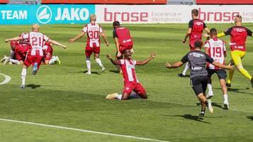 Wahnsinn in 3. Liga: Würzburg steigt auf – Chemnitz muss runter