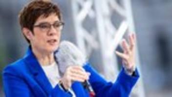 Annegret Kramp-Karrenbauer: Ministerin will Rechtsextremismus in gesamter Truppe bekämpfen