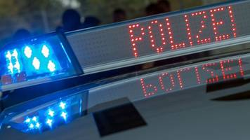 27-Jähriger verletzt auf Flucht vor Polizei zwei Beamte