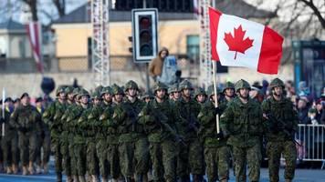 Corona-News: Coronavirus-Alarm an Bord von kanadischem Militärflugzeug
