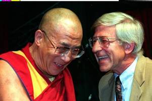 """franz alt über den dalai lama: """"nichts bringt ihn aus der fassung"""""""