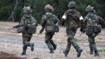 Debatte um Bundeswehr: Kaum Rückhalt für Högls Wehrpflicht-Idee