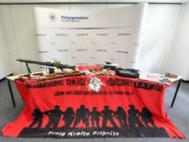 gruppe plante moschee-anschlag: rechtsextreme sammelten polizisten-daten
