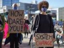 Hunderte Berufstätige demonstrieren für Klimaschutz