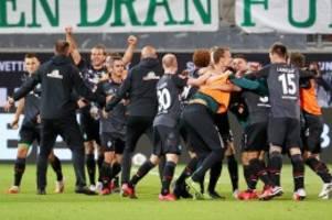 Relegation: Werder Bremen bleibt erstklassig