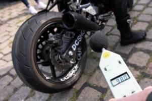 Verkehr: Motorrad-Lärm sorgt für Streit: Bürgerinitiativen boomen