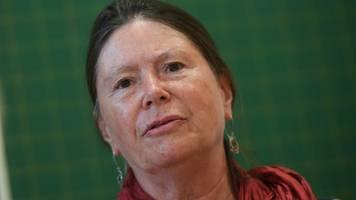 umweltministerin für naturnahes und nachhaltiges reisen