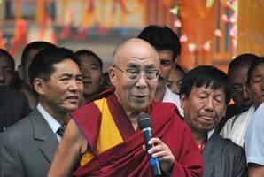dalai lama: bis heute nimmt er gerne uhren auseinander