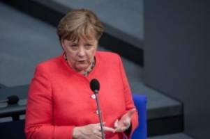 Medien: Merkel: Verlässliche Informationen in Corona-Lage wichtig