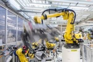 Krise wiegt noch schwer: Deutsche Industrie erholt sich etwas von Corona-Einbruch