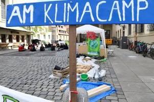 Die Klimaschützer wollen ihr Camp am Augsburger Rathaus noch lange betreiben