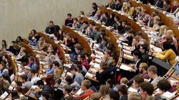 Numerus Clausus: Prozentual weniger Studiengänge zulassungsbeschränkt