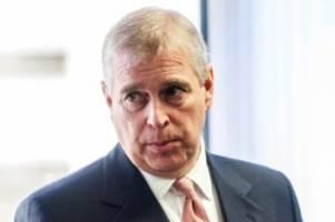 Missbrauchsskandal: Fall Epstein: Prinz Andrew wegen neuem Foto unter Druck