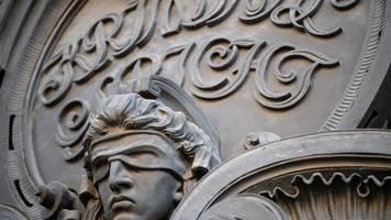 Acht Monate nach Messerangriff: Angeklagter wegen Mordes an Fritz von Weizsäcker verurteilt