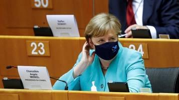 angela merkel im eu-parlament: turnerin im kampf um das gleichgewicht