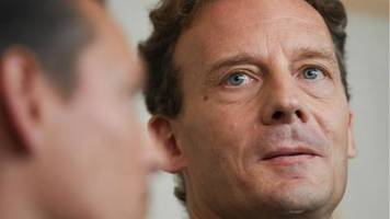 erbe des stadtplanverlags: stadtplan-erbe alexander falk zu viereinhalb jahren haft verurteilt