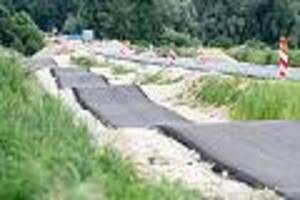 Im bayerischen Kirchdorf - 5 Jahre Planung und Bau, 3,3 Millionen Euro teuer: Verwunderung über Buckel-Radweg