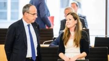 Drohmails: Hessens Innenminister wirft LKA Versäumnisse vor