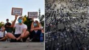 Protest: Tausende demonstrieren gegen Corona-Regeln in Serbien
