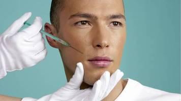Perfekte Tarnung : Masken verdecken OP-Folgen: Plastische Chirurgen verzeichnen Boom dank Corona