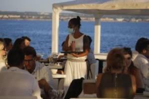 Corona-Verordnung: Mallorca führt strenge Maskenpflicht ein