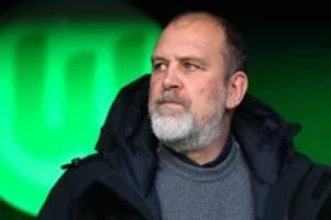 Fußball: Wolfsburg: Schmadtke kritisiert Ansetzung in der Ukraine