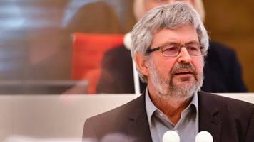 minister vogel will obergrenzen für mega-ställe